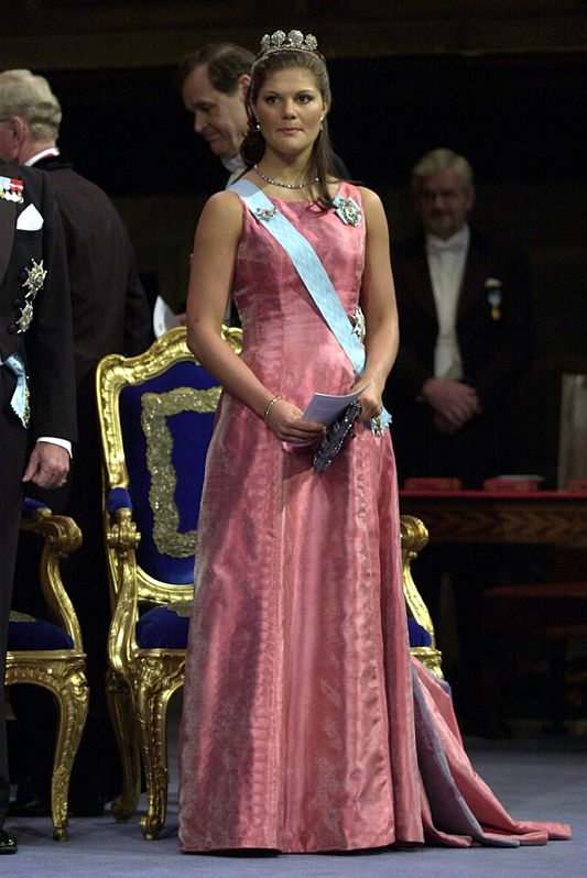 Crown princess Victoria at the Nobel-prize ceremony and banquette in 2000
