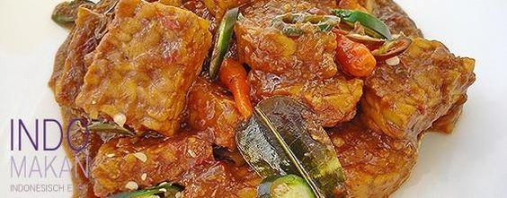 Sambal Goreng Tempeh Bumbu Petis - Gestoofde tempeh in een pittige saus - Tempeh simmered in a spicy sauce