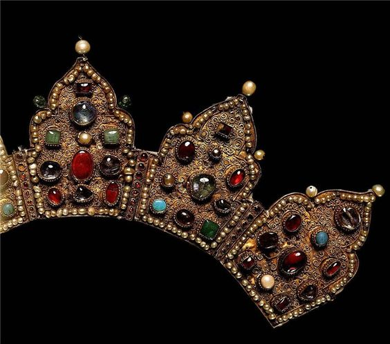 """Crown with salary of the icon """"Our Lady Bogolyubskaya."""" Detail of   late 14th - early 15th century,   gold, precious stones, pearls, filigree, granulation   wave height of 11.5 cm, width 8 cm wave   State Historical and Cultural Museum-Preserve """"Moscow Kremlin"""". Armory, Moscow Russia"""