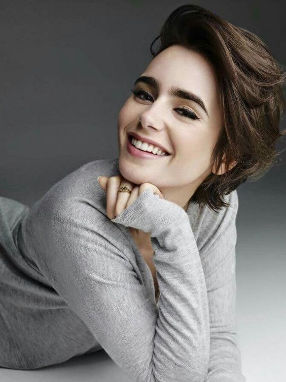 Lily Collins :)                                                                                                                                                     More