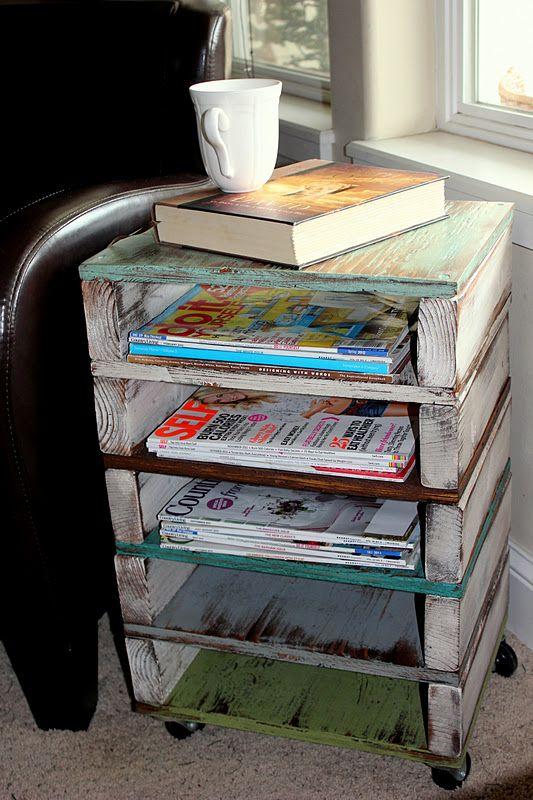 Pallet DIY Side Table: Diy Pallet, Side Table, Magazine Rack, Wood Pallet, Picket Fence, Rolling Cart