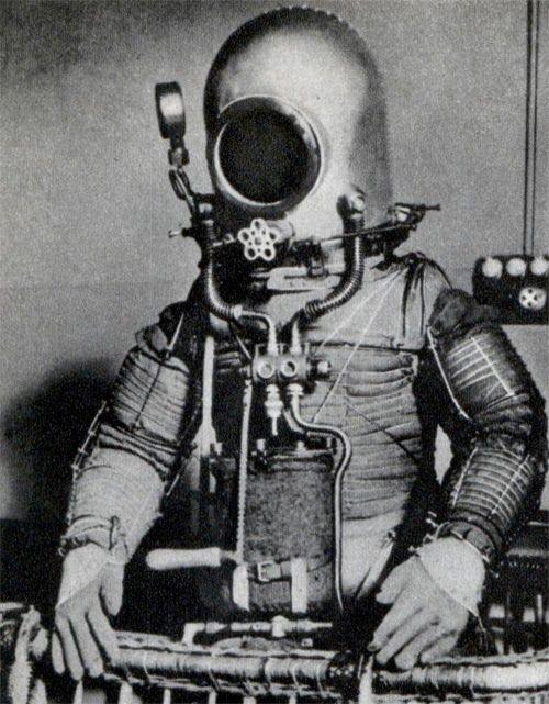 Spacesuit invented in 1936 by Emilio Herrera, the Spanish Verne