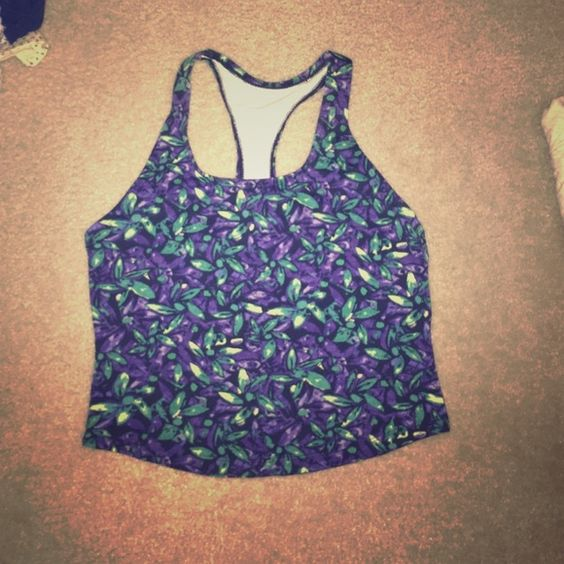 Beautiful festival workout crop top periwinkle So cute / perfect for summer / stretchy / form fitting / just lovely. PacSun Tops Crop Tops