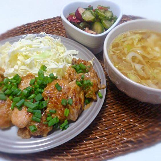 朝ごはん - 12件のもぐもぐ - 鶏肉のネギマヨポン 鶏皮出汁の野菜スープ 蛸わかめ胡瓜酢の物 by にゃろめ