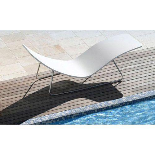 Pinterest the world s catalog of ideas for Chaises longues design piscine