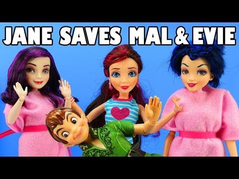 Disney Toys Fan - Jane Saves Mal And Evie Vampires After They Are Put In Jail By Vampire Hunters.