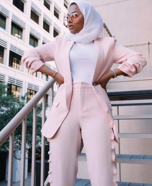 20 Stylish Ways To Wear A Scarf