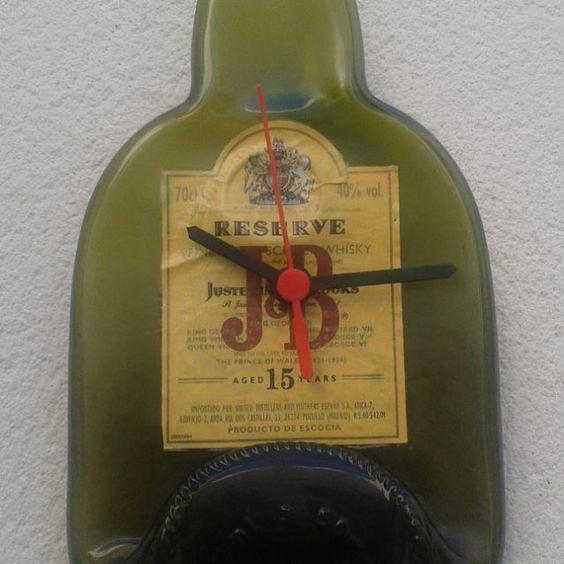 Reciclando botellas.