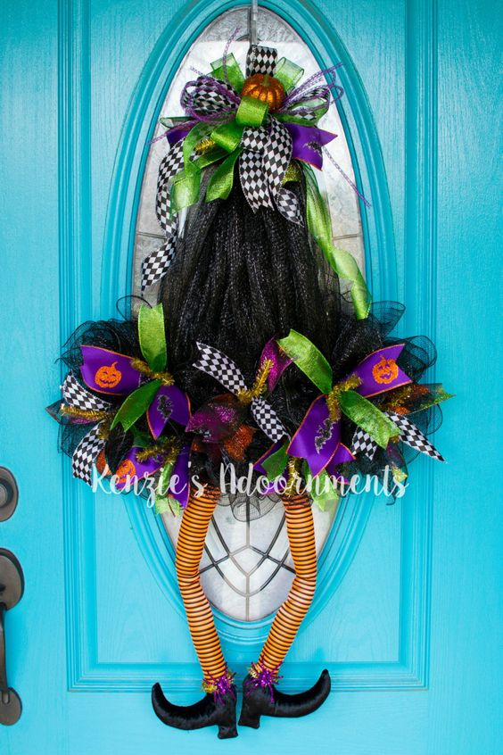 how to make a witch hat wreath
