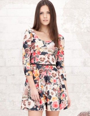 vestidos de flores de moda con mangas