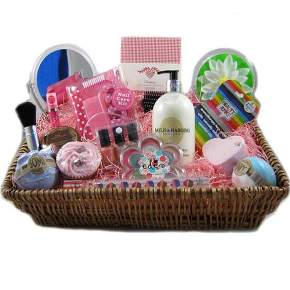 Super Gorgeous: Giveaway - win a Truly Scrumptious Hamper