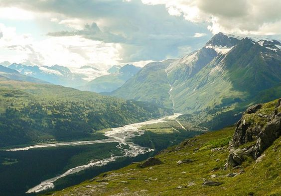 Thompson Pass near Valdez, Alaska (Photo: Kim Olson)