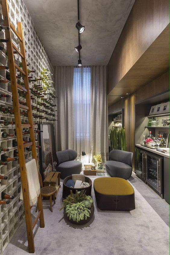 Adega moderna e ousada com pegada sustentvel - garrafas acomodadas em blocos de concreto Pronto TriArt Arquitetura Mais no blog