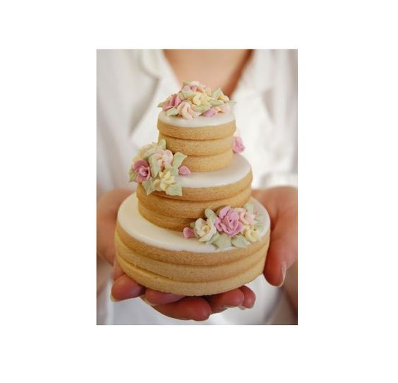 27 Spectacular Stacked Wedding Cake Cookies | Cake cookies, We and ...