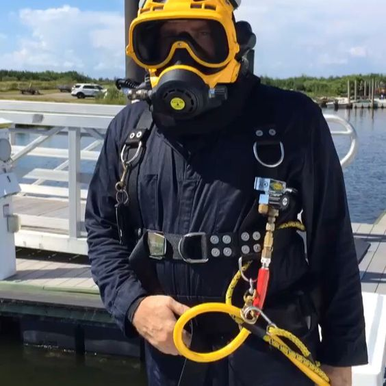 A beautiful day for a harbor dive!