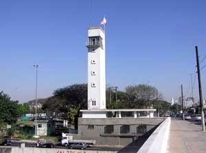 Vista atual da Ponte das Bandeiras<br />Foto Sergio De Simone  [Arquivo da Companhia de Restauro]