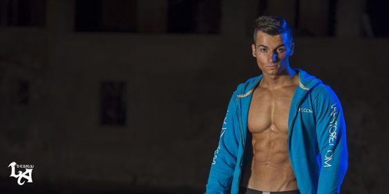 Il Metodo Lafay: mettere Muscoli Senza Attrezzi  Conosciuto anche come Sistema Proteo, questa metodologia di allenamento senza attrezzi consente di sviluppare forza, resistenza, potenza, mobilità e allungamento #muscoli #fitness #iafstore