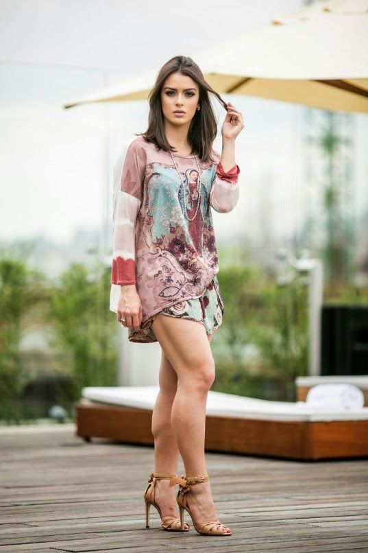 Mariana Saad look ideal para ser usado com um Sutiã Meia-Taça de renda e Calcinha Biquíni com laterais em renda: