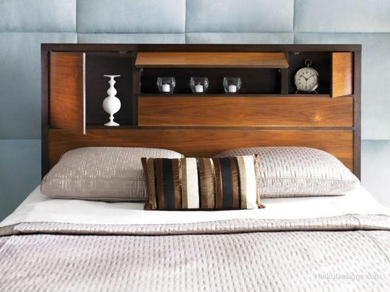 Tête de lit en bois massif avec rangement et étagères intégrées