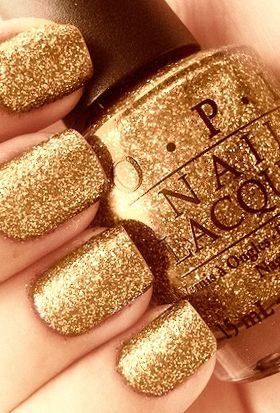Tes, Gold glitter nails and Manicures on Pinterest