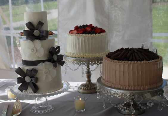 Beautiful assortment of cakes made by Lucy Mae Cakes.