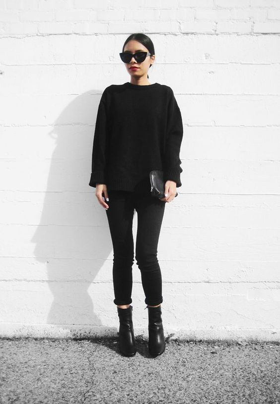 by Helena Martins Are you a fan of minimalist style? Then these are the Instagram accounts you have to start following right now.  1. Jessie Bush from We The People Style  Follow We The People...