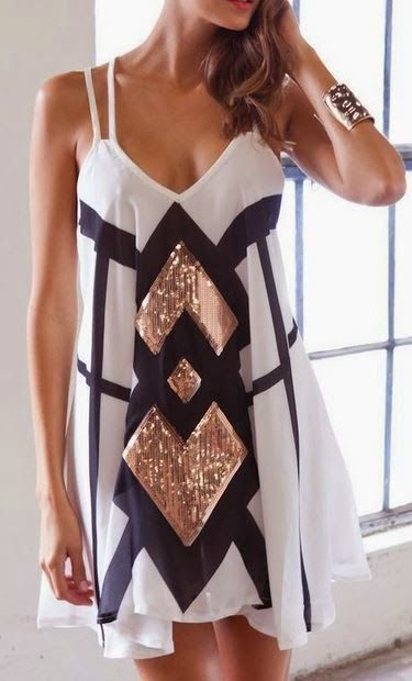 Gorgeous black and white dress with a touch of gold  Fashion ...