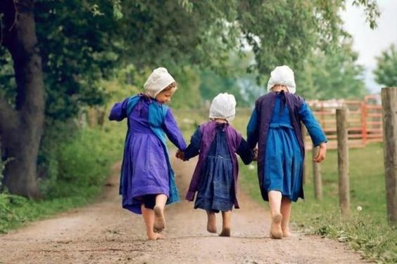amish girls playing
