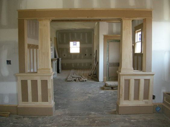 Bungalow interior columns how to 39 s pinterest for Family room columns