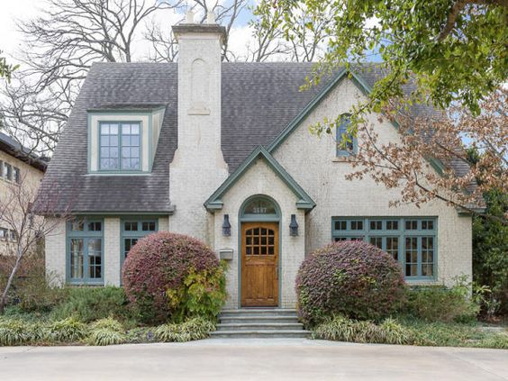 1940 39 s style cottage in highland park texas cottages for Modern tudor house