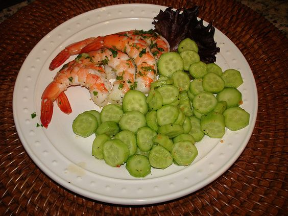 hCG Diet meal #3 100g steamed Lemon Pepper shrimp tossed with fresh cilantro and Apple Cider Cucumber salad.     ...! http://dld.bz/anaboliccooking