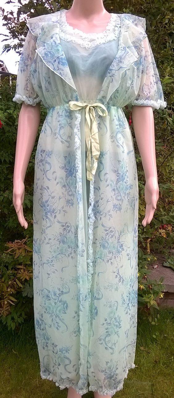 Vintage Peignoir Set 1970's Chiffon Nylon Negligee Green Floral Nightdress and…