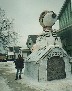 Snoopy snow sculpture #snowSculpture #snow #winter #sculpture #cartoon