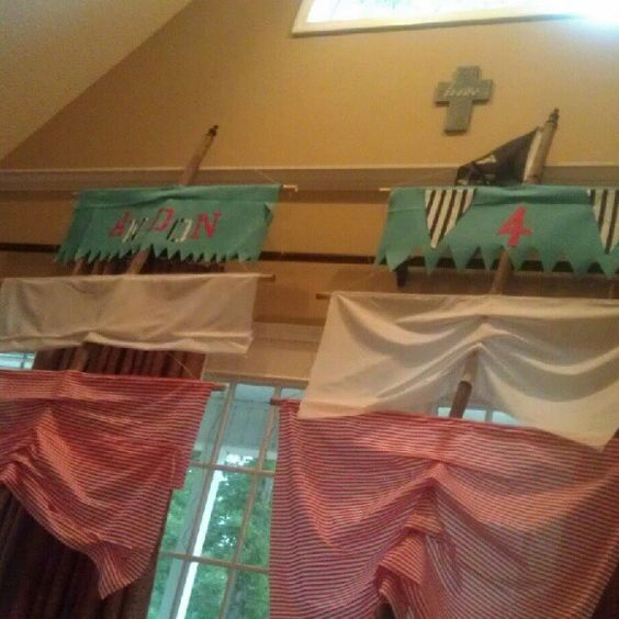 Decoraci n velas de barco pirata party for a hobbit - Decoracion de barcos ...