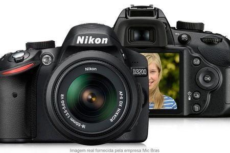 Câmera Nikon D3200 Câmera Nikon D3200 (opção de cartão de memória, tripé e bolsa) a partir de 12x sem juros de R$ 116,58 com frete grátis