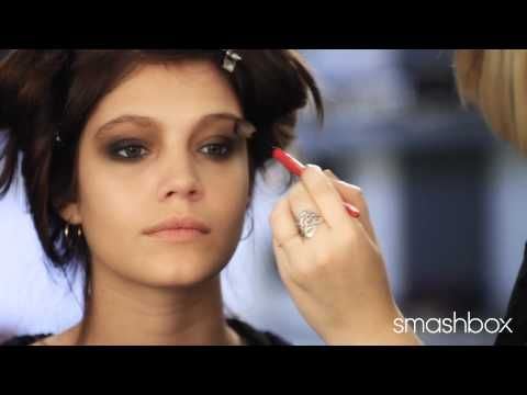 Annie Mercer, #Sephora Pro Artist shows you how to achieve an easy, perfect smoky eye with the new #Smashbox Master Class Palette exclusive to Sephora
