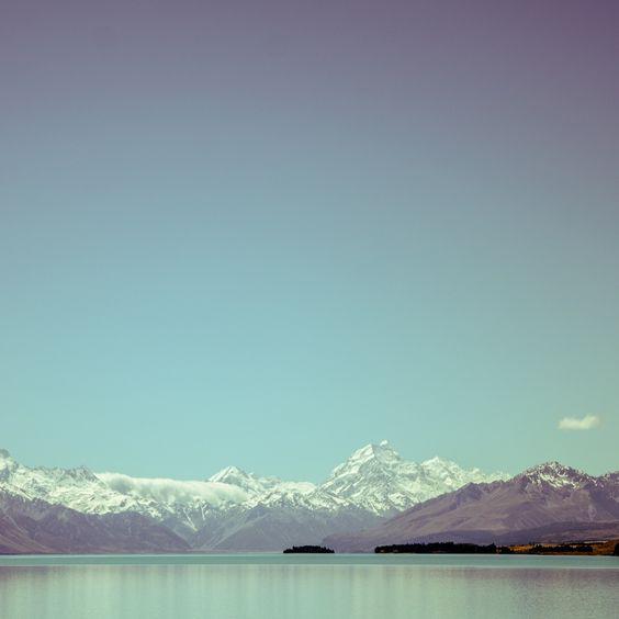 2048x2048 Wallpaper montanha, céu, lago, picos, neve