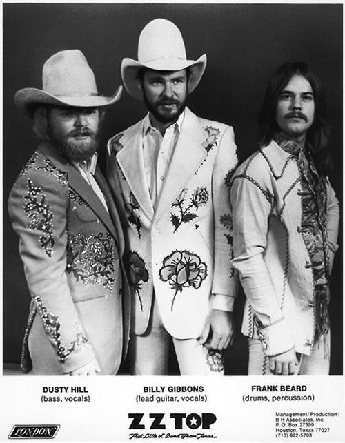 shopmidnightrider: ZZ Top in Nudie Cohn Suits ZZ TOP, THE MOVING SIDEWALKS & THE 13TH FLOOR ELEVATORS | TEXAS MUSIC LEGENDS - The Selve...