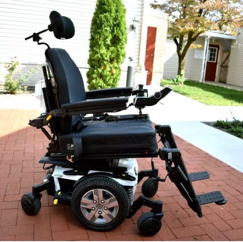Barely Used 2018 Quantum Q6 Edge 2 0 Power Chair Powered