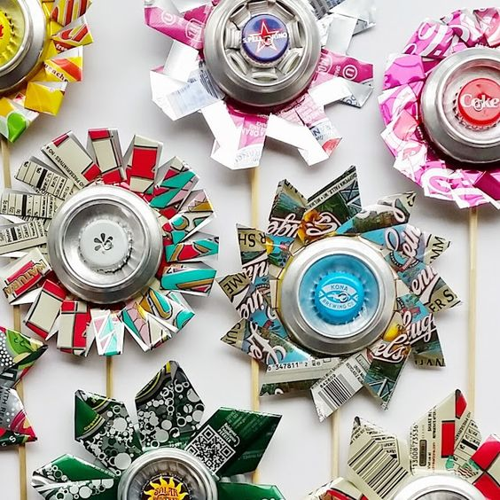 art in red wagons: aluminum can flowers (tutorial)