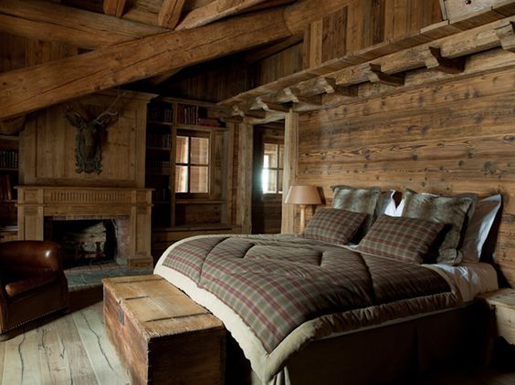 Log cabin bedroom design. Rustic minimalism.