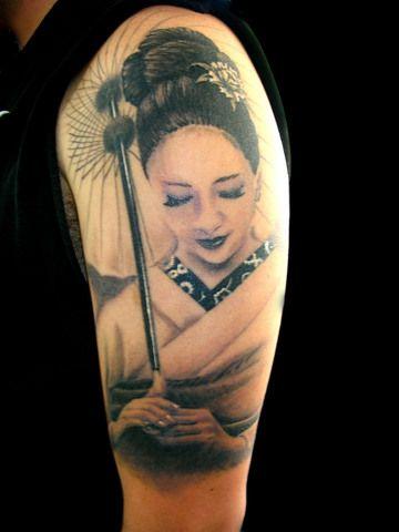 Galería de tatuajes de Falke en Family Art Tattoo -