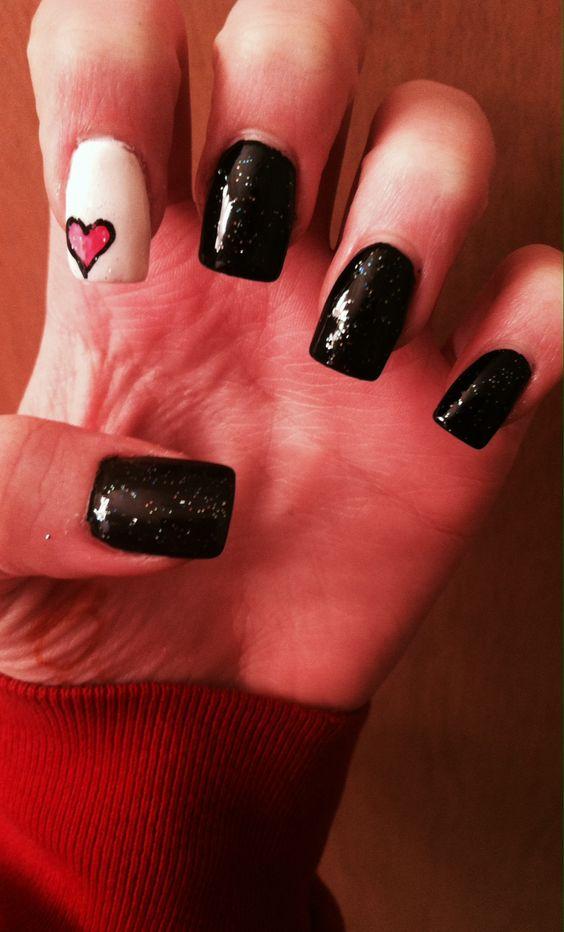 Valentines nails glitter