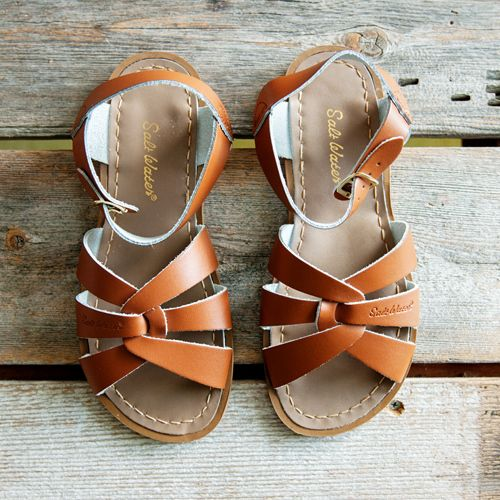 """Womens authentic Salt Water Sandals. Adult Sizing Chart:US SIZE Inches5           9""""6        9 1/2""""7        9 3/4""""8          10""""9       10 1/4""""10       10 1/2""""11          11""""The measurements listed above are for actual length of each size of sandal, from heel to toe, NOT your foots measurement. Use this chart to compare any existing sandals you may have, in order to approximate the saltwater size you might ..."""
