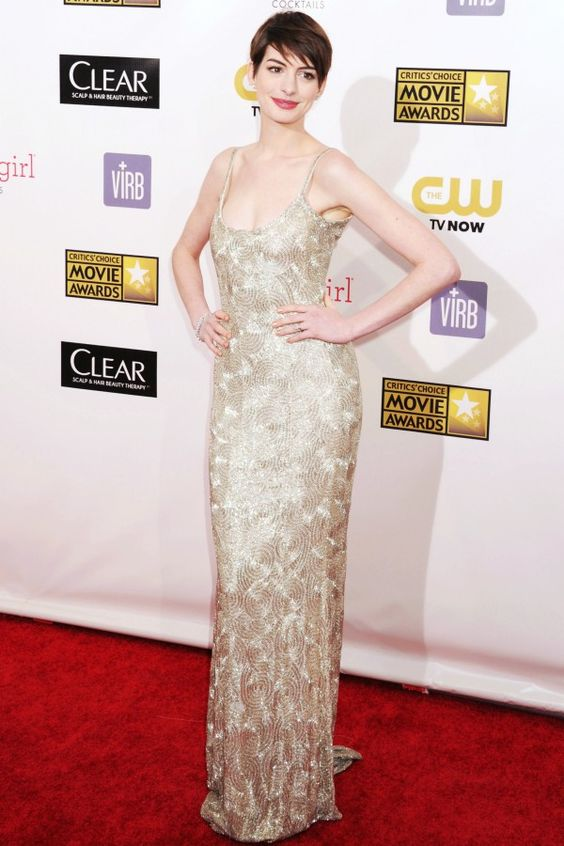 Oscar de la Renta: In Honor Of a Legend. Anne Hathaway, Critics' Choice Awards, January 2013.