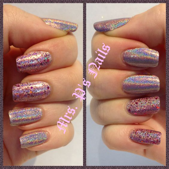 Color club Halo Hues Cloud Nine with Dollish Polish A Peachy Princess on accent nails