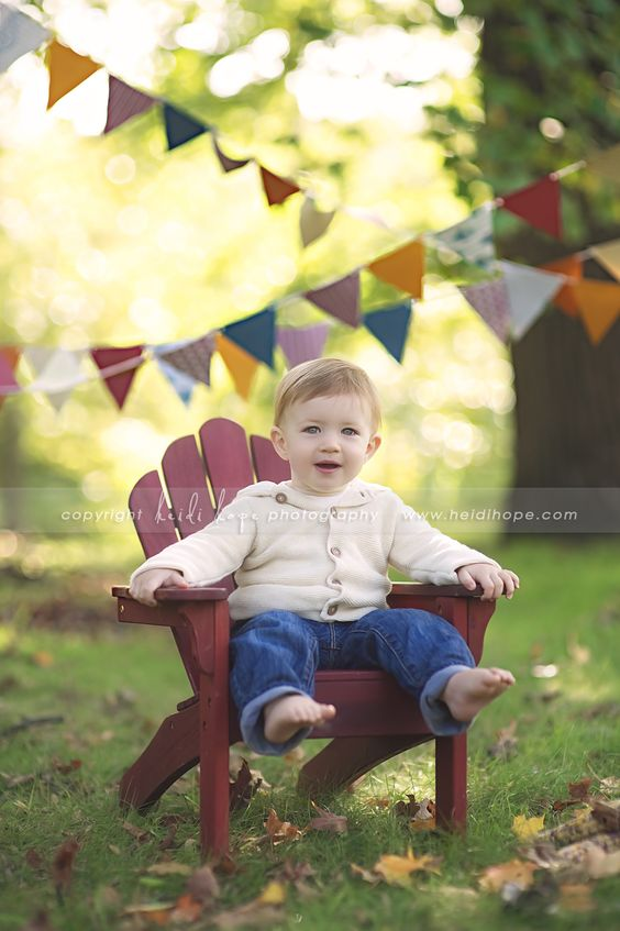 great colors for a little boy's first birthday photos