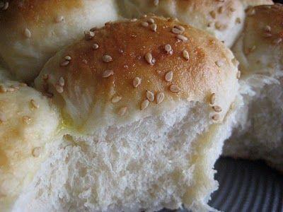 Bountiful Kitchen ~ Buttermilk Cluster Rolls