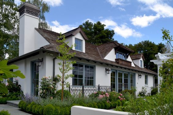 White House Exterior Traditional Design Ideas With Blue Trim Chimney Cap Cottage Dormer Dormer