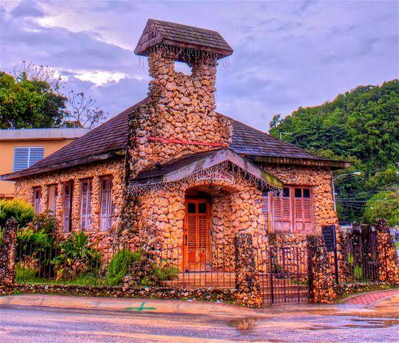 Iglesia de Piedra en Camuy
